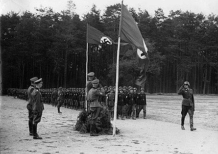 Всего за время Второй мировой войны на немецкой стороне против СССР воевало не меньше 200 тыс. советских граждан