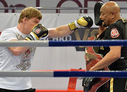 Боксер, чемпион WBA Александр Поветкин