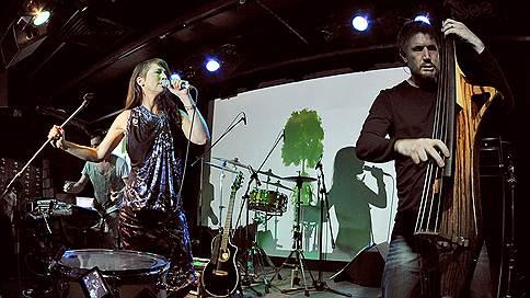В Москве выступили Lamb / В московском «Главклубе» выступил манчестерский электронный дуэт Lamb
