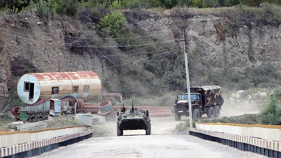 Спецоперация силовых структур при поддержке бронетехники в населенных в пунктах Унцукульского района Дагестана