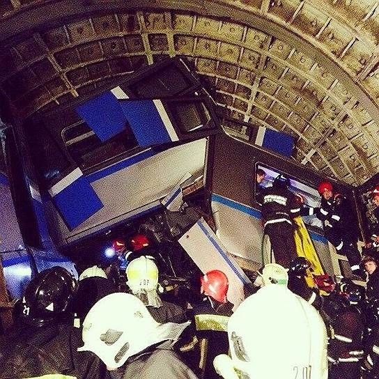 В московском метро погибли 16 человек