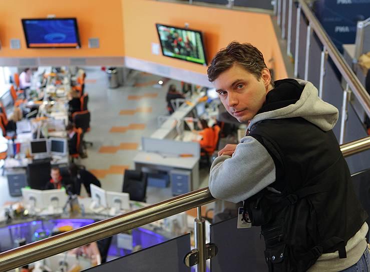 С 2003 года работал корреспондентом отдела «Общество» «Российской газеты», потом перешел в «Газету.ru», начал заниматься фотографией