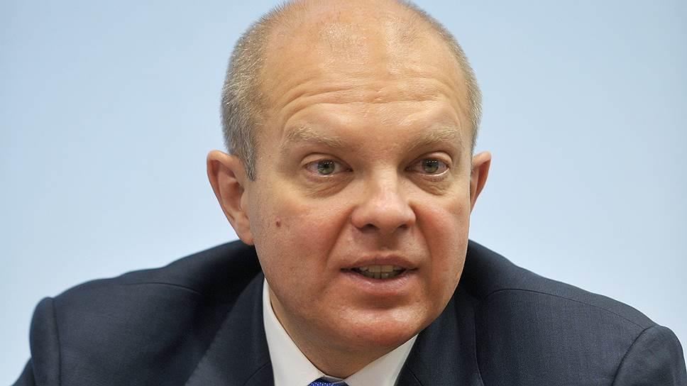 """Общее падение объема торгов """"голубыми фишками"""" и облигациями российских компаний в денежном выражении составило примерно 45-60% с момента введения санкций"""