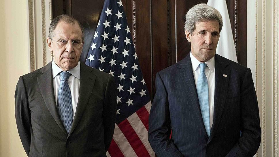 На Сергее Лаврове (слева) и Джоне Керри в Лондоне не было их привычных лиц
