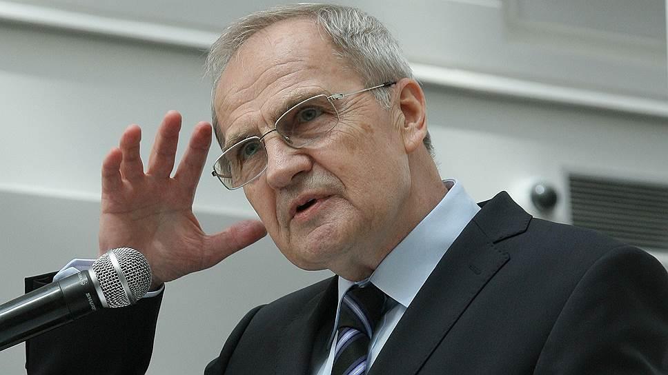 Валерию Зорькину не нравится стремление российского бизнеса решать правовые споры в иностранных судах