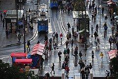 Загреб с высоты кажется небольшим поселком, но живет здесь миллион человек