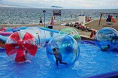 Для привлечения туристов здесь придумывают самые изощренные ивенты и развлечения