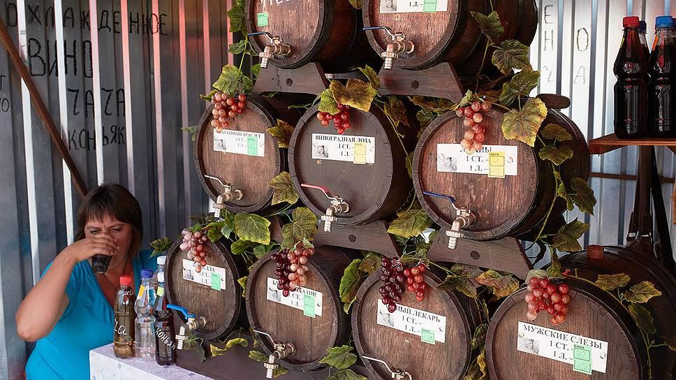 В Россию Абхазия поставляет 12 млн бутылок вина, а сама пьет почти исключительно разливное и в основном домашнее