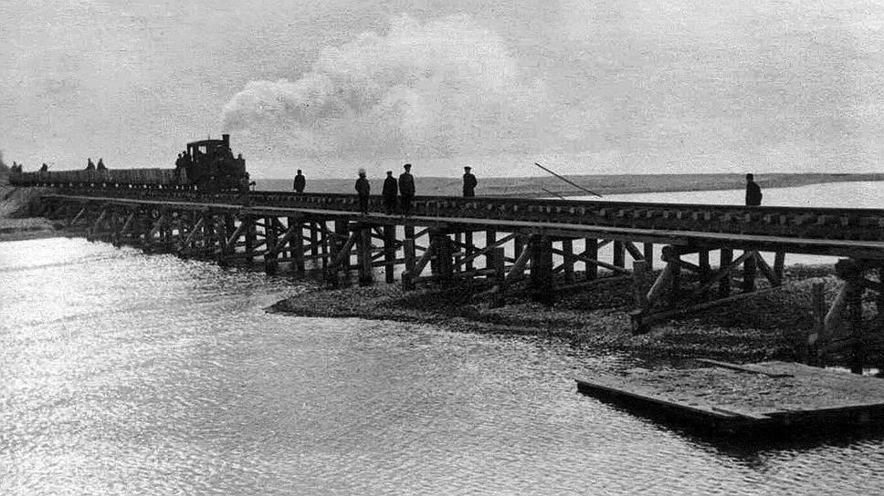 Достроенный за немцами в 1944 году Керченский мост продержался ровно три месяца — до первого ледохода