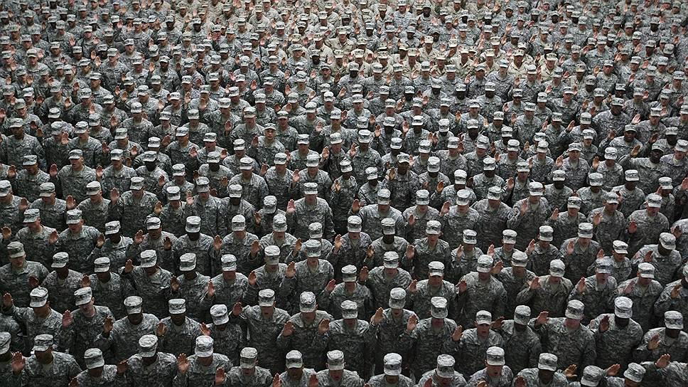 В гигантскую мировую армию