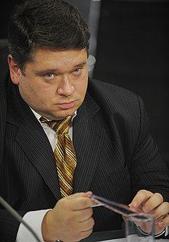 Экс-мэр Александрова Геннадий Симин был арестован за получение взяток и покушение на мошенничество, слыл большим криминальным авторитетом и именовался Гена Зеленый
