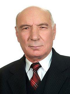 Нынешний мэр города Анатолий Равин хранит верность идеалам СССР и советской номенклатуры