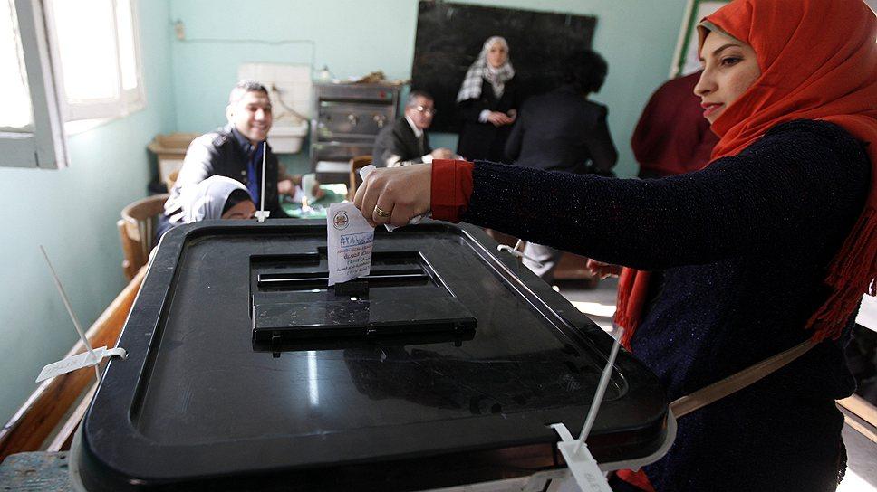 За принятие новой конституции Египта проголосовали 95% избирателей