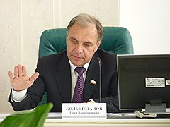 Зампред саратовского правительства  Павел Большеданов невидит возможностей  для погашения госдолга области