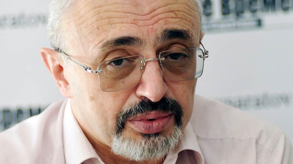 Ректор «Высшей школы недвижимости» Яков Стрельцин хочет сделать жизнь вветхом жилье вцентре Саратова экономически невыгодным