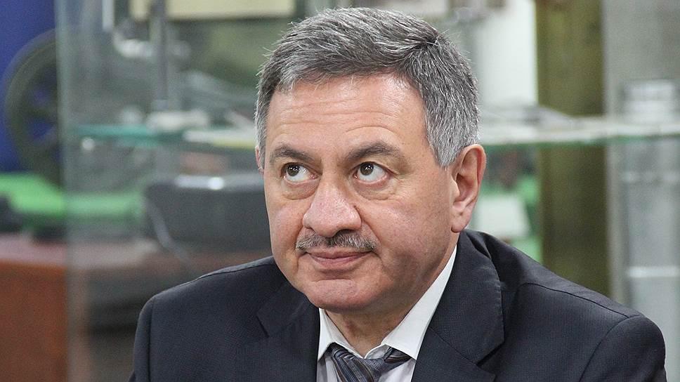 Борис Шинчук уверяет, что деньги общественным организациям будут распределяться объективно и не предвзято