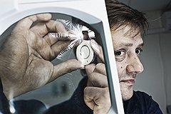 <B>Сердце под прицелом</B><br>Дмитрий Коваленко пытается превратить медицинские приборы в модные гаджеты