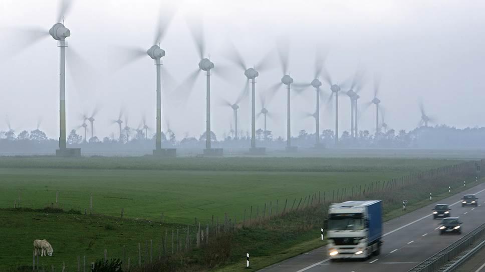 Парки ветрогенераторов редко удается построить в непосредственной близости от потребителя энергии. При выборе места строительства главным фактором является наличие там ветра