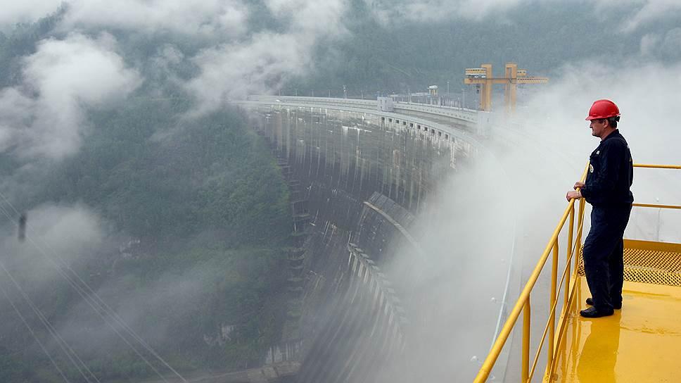 Долгожданный ввод в строй Саяно-Шушенской ГЭС (на фото) лишь увеличил предложение, которое опережает спрос уже на 15,4 ГВт мощности