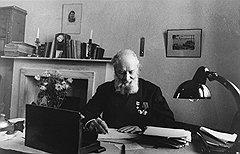 Удовольствию заседать в президиуме АН СССР в качестве ее вице-президента академик Алексей Крылов (на фото) предпочитал, пока была возможность, более хлопотные должности при совзагранучреждениях