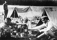 Отправляя последние крохи на фронт (на фото), Мария Сотичева обрекала одну отдельно взятую семью на голод, подобный поволжскому