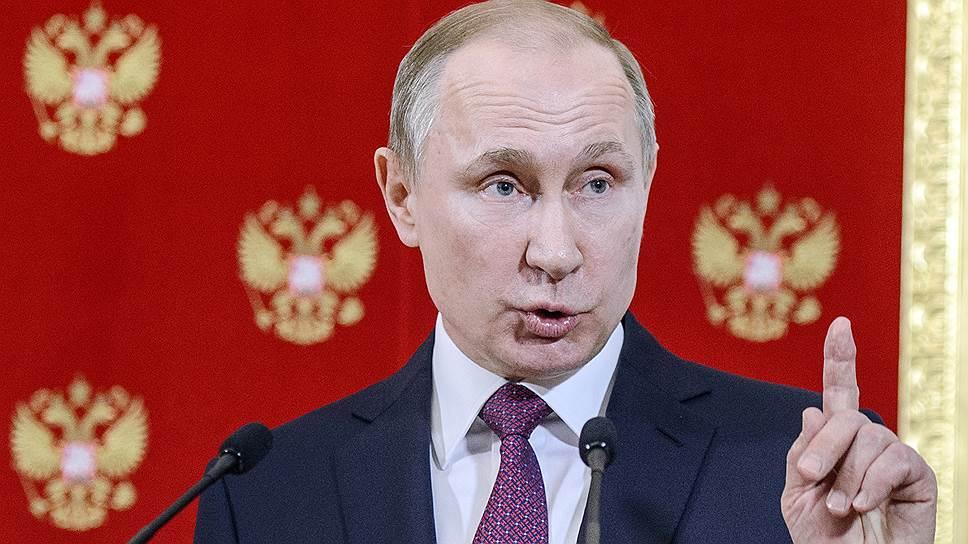 Восхождение по Трампу / Владимир Путин и Игорь Додон поднялись в Кремле до уровня Белого дома