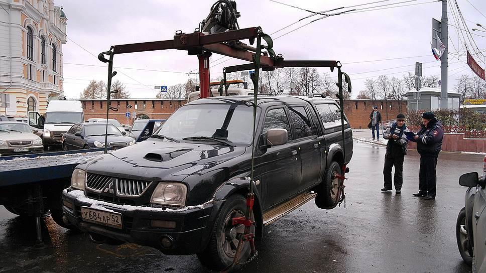 Тарифы увозят со стоянки / В Башкирии повышают плату за эвакуацию автомобилей и услуги штрафстоянок