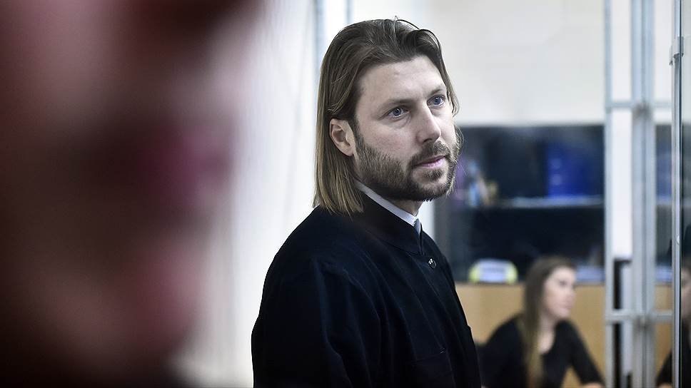 Священник Глеб Грозовский жалуется на защитную реакцию / Адвокатов обвиняемому в педофилии назначает следствие