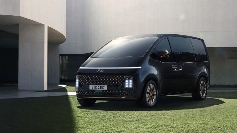 Hyundai Staria – минивэн для всех и для каждого