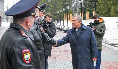 Татарстан отдал полномочия центру  / Регион доверил МВД составлять протоколы по республиканскому КоАП до 2026 года