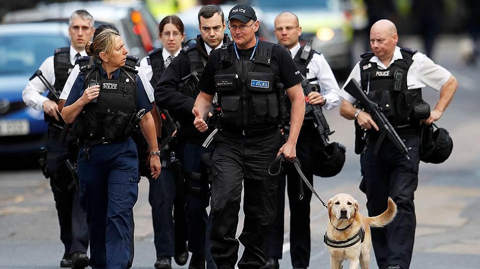 «Муляжи взрывчатки террористы надели для психологического эффекта»