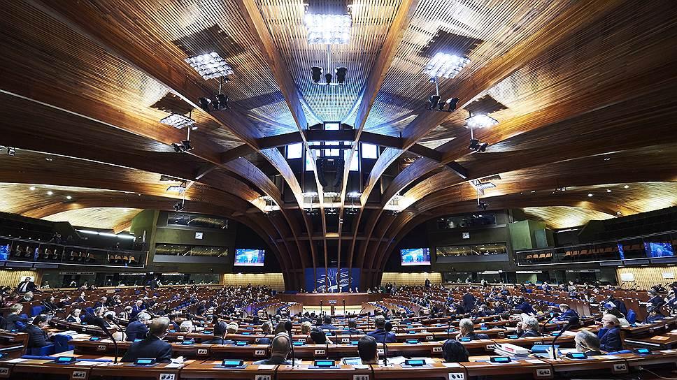 Как делегация РФ почти вернулась в ПАСЕ, а украинская почти вышла