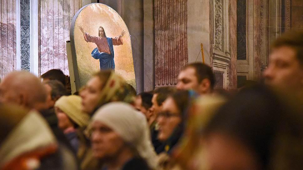 Что изменится для верующих после решения РПЦ о разрыве с Константинополем