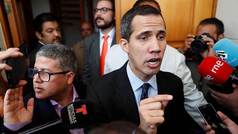 Как идет борьба за власть в Венесуэле