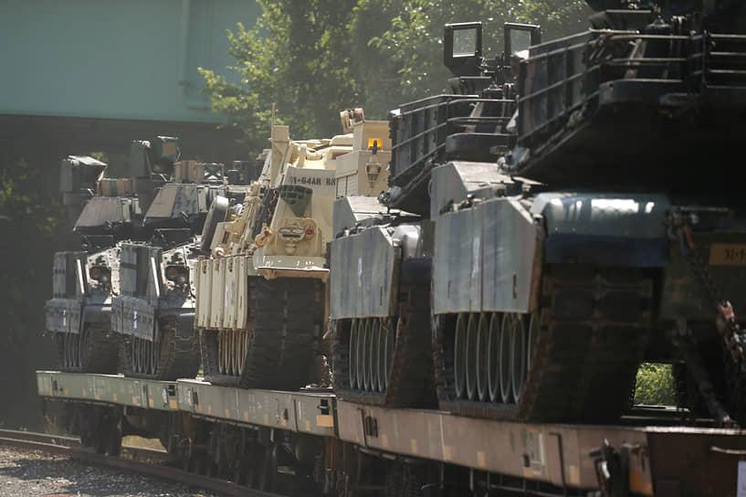 Почему мэрия Вашингтона не пустила военную технику на улицы города