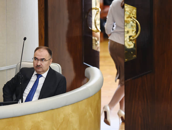 """Антон Дроздов, на тот момент глава Пенсионного фонда России, в интервью """"Ъ"""" 6 мая 2016 года"""