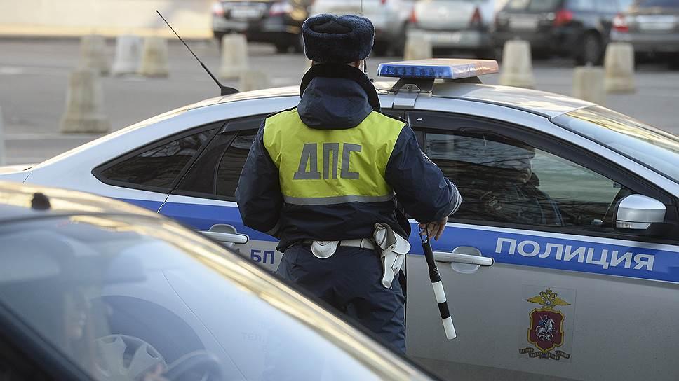 Почему запрет на выезд за границу для сотрудников МВД стал предметом спора