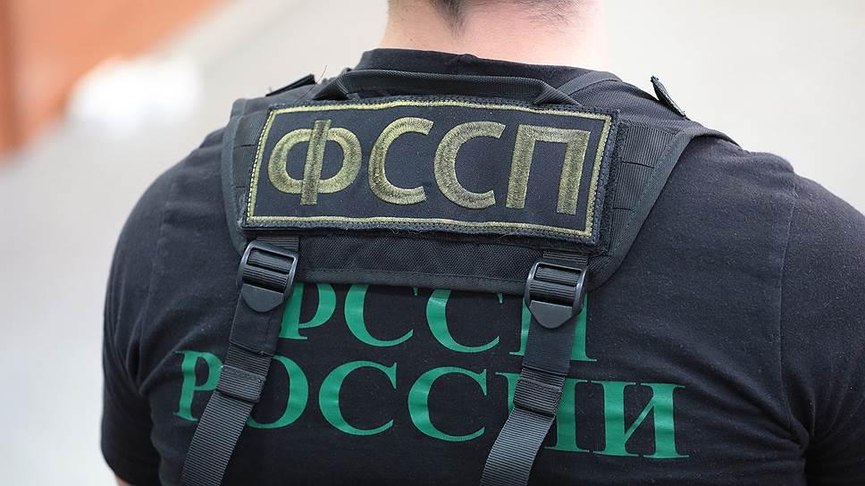 Как ФССП устраивала «новогоднюю» акцию в Москве