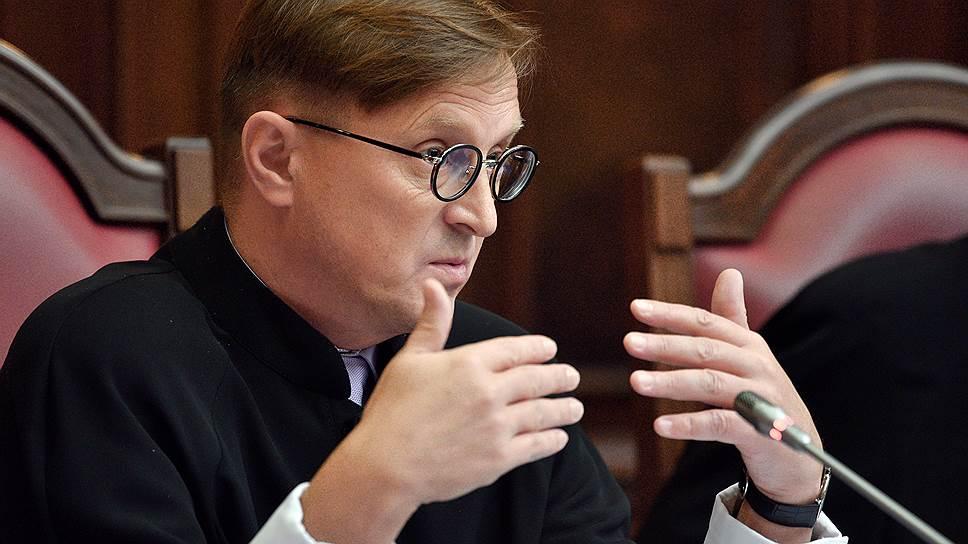 Как судья КС предлагал ослабить криминальный фильтр на выборах