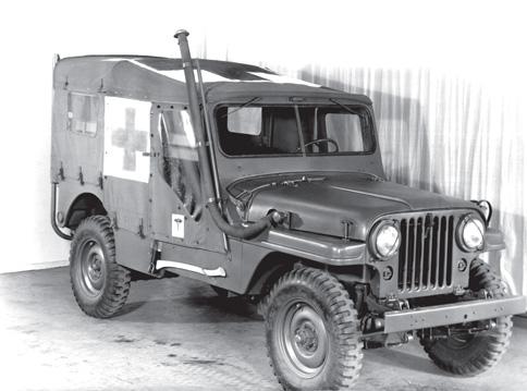 На базе армейского «Виллиса», от которого и ведет свою родословную современный Wrangler, было создано множество различных модификаций. В том числе с 1953 по 1963 год выпускалась версия Willys M170 Jeep Ambulance, представлявшая собой легкий медицинский внедорожник, предназначенный для транспортировки пострадавших.