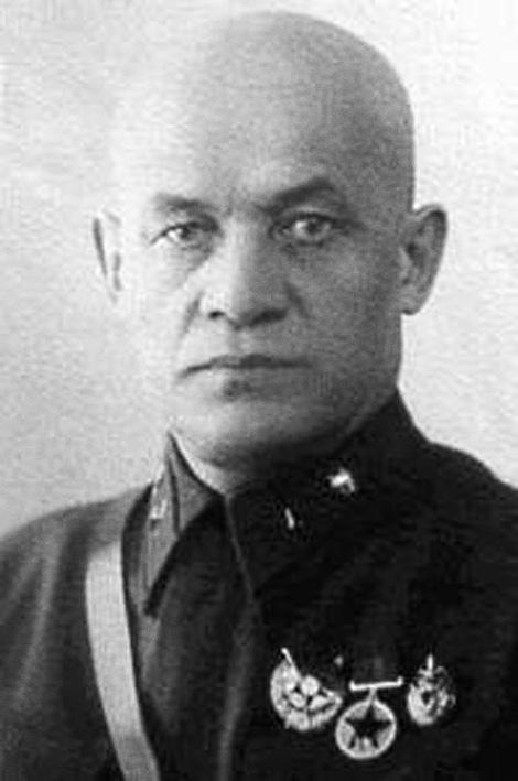 За соучастие в краже большого количества спирта Дмитрий Яковлевич Кандыбин был с позором изгнан из НКВД и вынужден был работать судьей Верховного суда