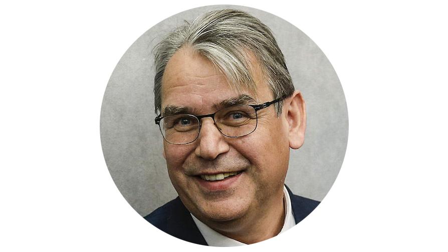 Джон Икс, директор архива