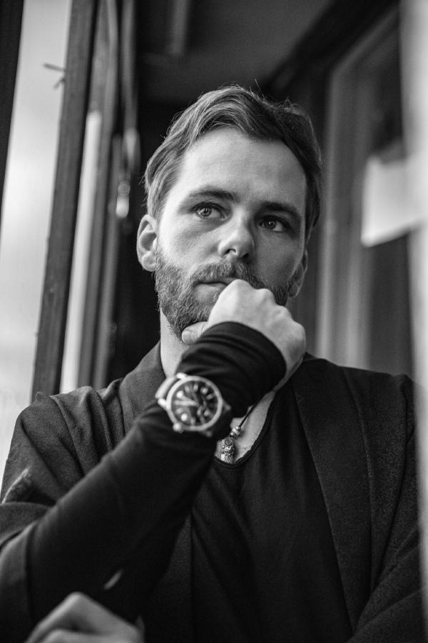 На фото: А. Болдачев,  на запястье Александра: часы CODE 11.59 by Audemars Piguet