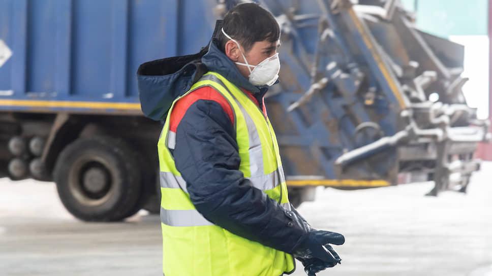 «Эко-лайн» и «Ла-транс» выставили на продажу два десятка мусоровозов, чтобы расчитаться с сотрудниками