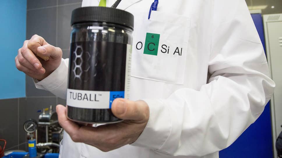 Графеновые нанотрубки применяются для модификации пластиков, композитных материалов, различных видов резин, красок и покрытий, литий-ионных аккумуляторов