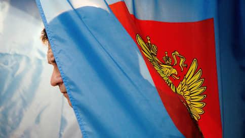 Кандидаты выходят из-под флагов // Почти треть претендентов на места в горсовет Новосибирска — самовыдвиженцы