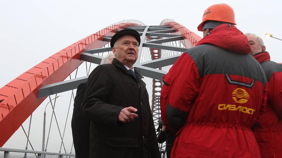 Альберт Кошкин (слева) продал 92% акций «Сибмоста» за92 копейки