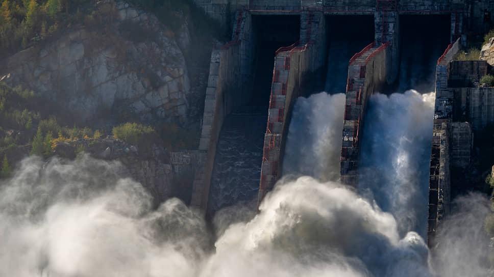 Повышенный уровень Байкала и, как следствие, необходимость увеличения сбросных расходов с ГЭС, последний раз  наблюдались в 2008 году