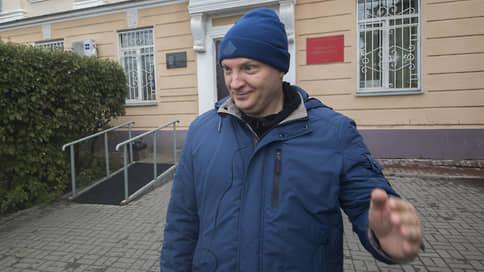 Банкира вывели изтени  / Давший показания на высокопоставленных полицейских томский бизнесмен получил срок