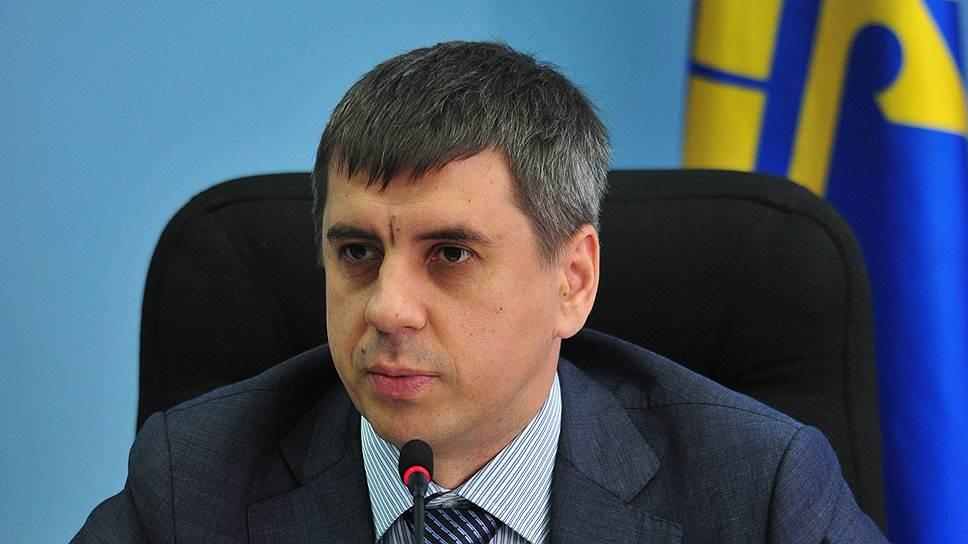 Мэрию Тольятти рекламируют полиции / Депутаты просят возбудить уголовное дело вотношении чиновников, ответственных заторги по«наружке»